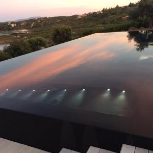 piscina nera - Costa Smeralda