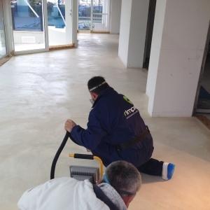 06 - pavimento microcemento - Hotel Riccione