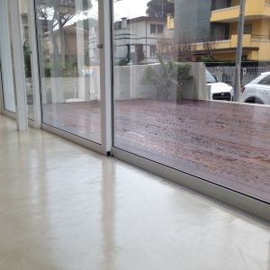 09 - pavimento microcemento - Hotel Riccione