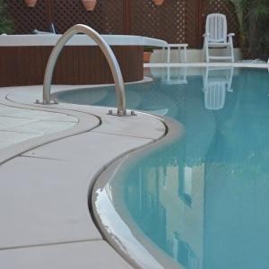 Rimini - Hotel con piscina in microcemento
