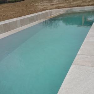 piscina con percorso kneipp